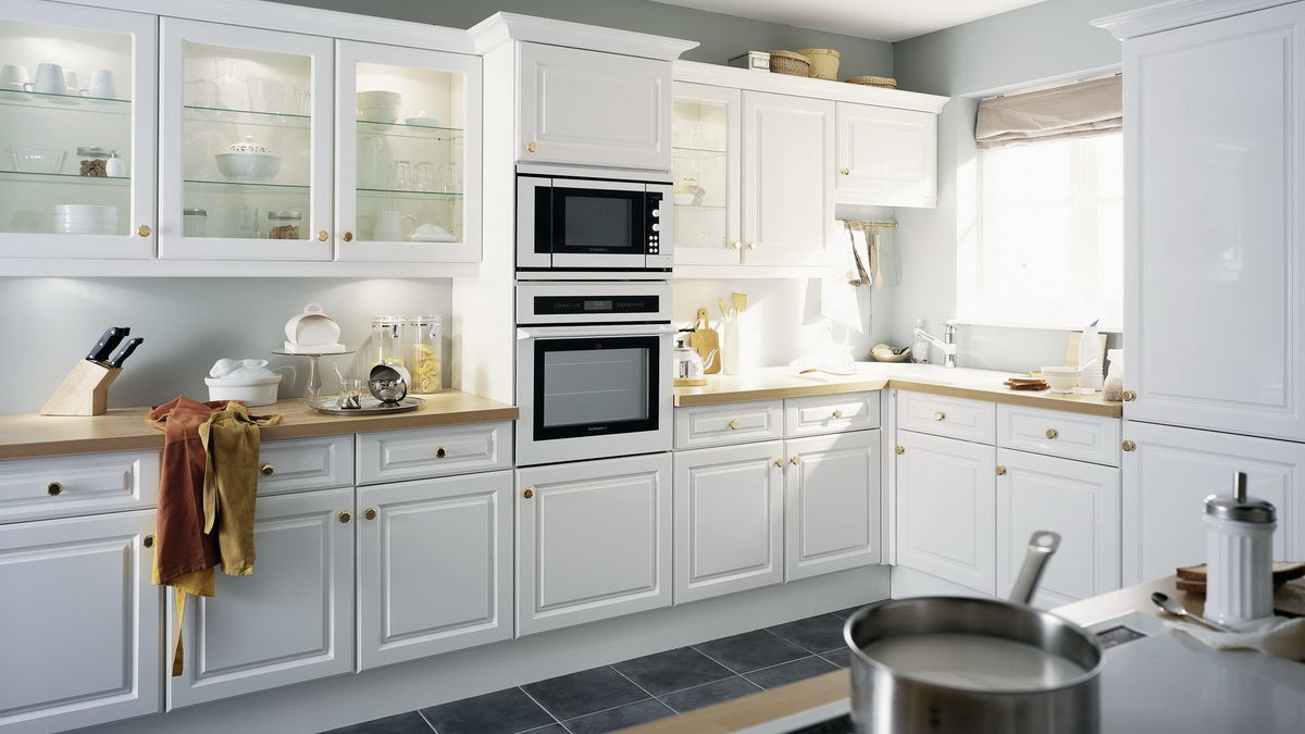 white color maple wood kitchen cabinets