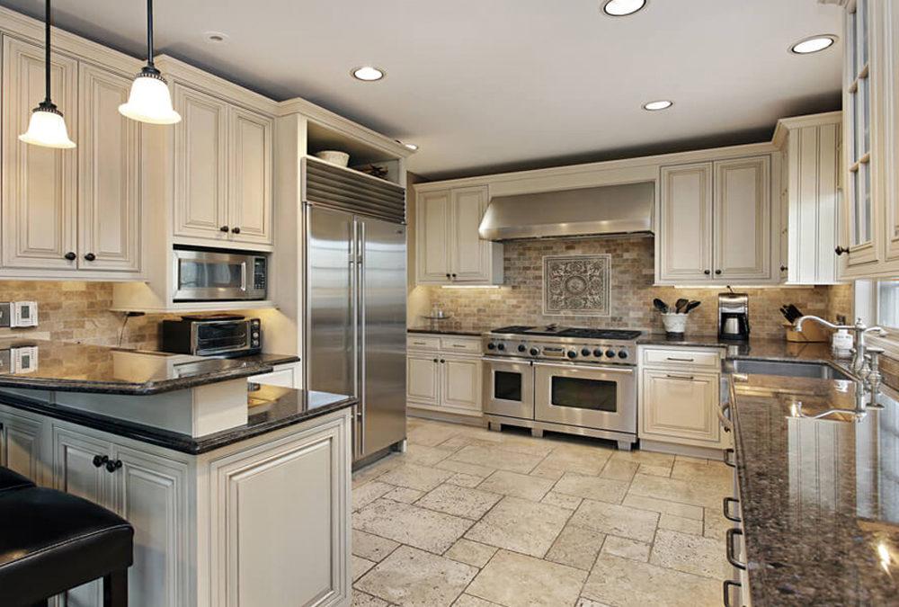 Solid Wood White Glazed Line Kitchen, Glaze Kitchen Cabinets